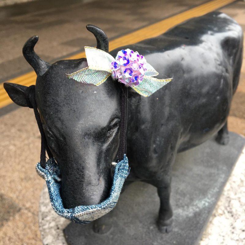 松阪駅の牛さん、紫陽花の花飾りをつけました!